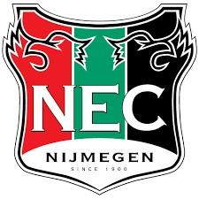 Renovatie twee kunstgras voetbalvelden bij N.E.C. Nijmegen in kerstreces door CSC Sport