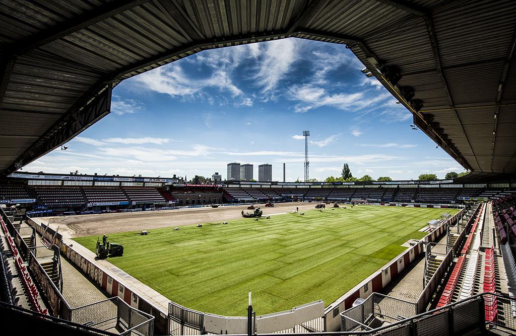 Sparta stadion tijdelijk natuurgras voor UEFA Woman's EURO 2017